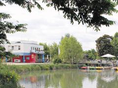 Bild1 - Bootshaus